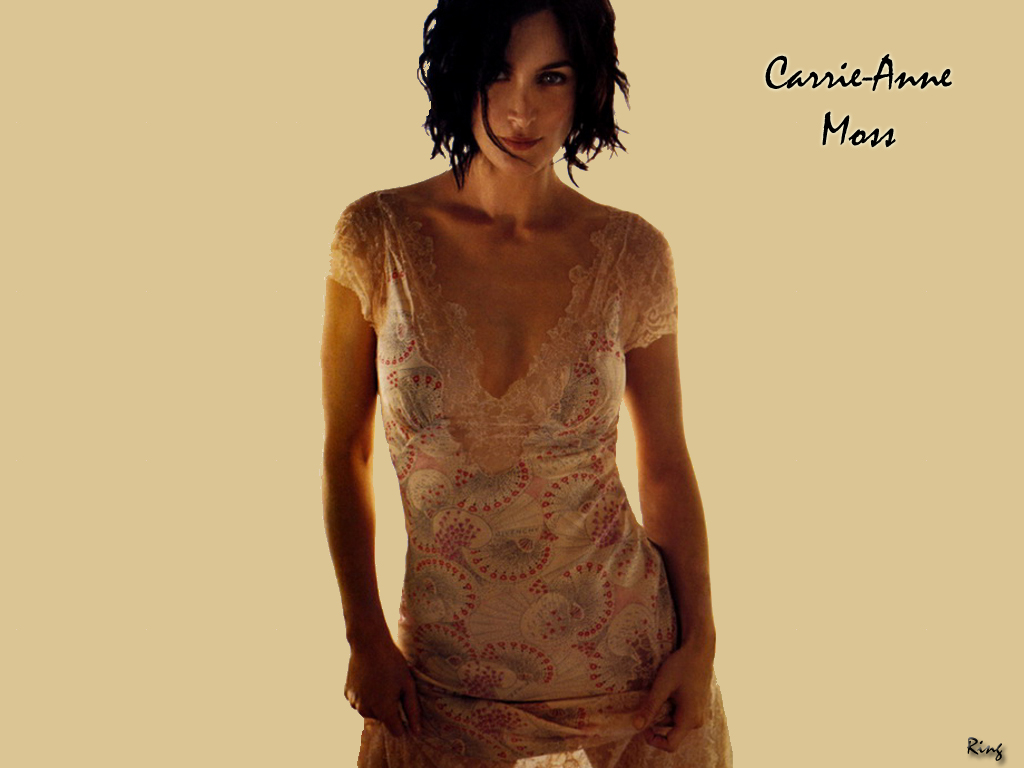 Carrie anne moss 4