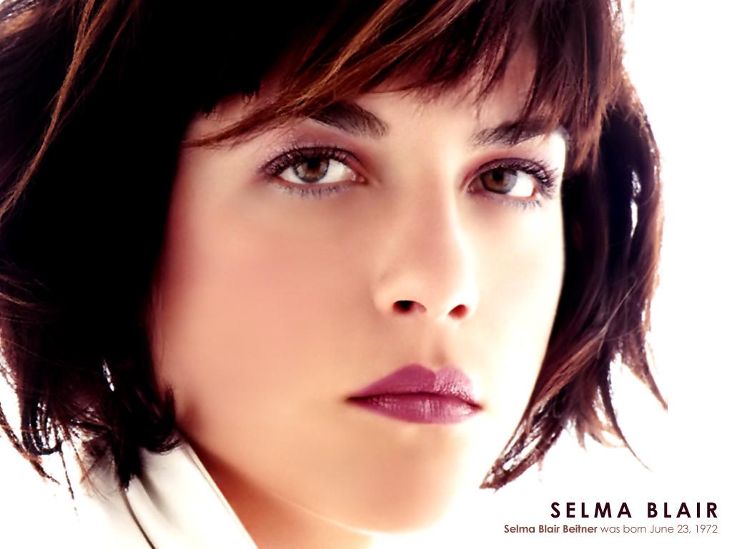 Selma Blair - Gallery Photo
