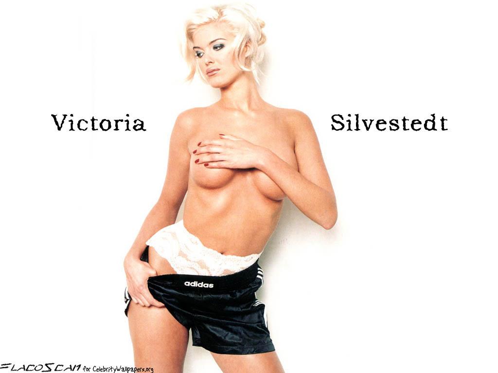 Victoria Silvstedt - Wallpaper Hot